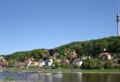 Blick zu den Elbhängen nach Loschwitz