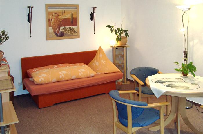 apartment f r 3 personen urlaub bernachtung in dresden. Black Bedroom Furniture Sets. Home Design Ideas