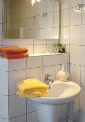 Zimmer 3 und 4 - Badezimmer