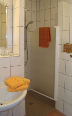 Zimmer 3 und 4 - Dusche
