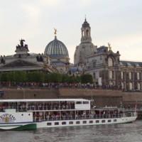 Dresden mit Brühlscher Terrasse und Frauenkirche