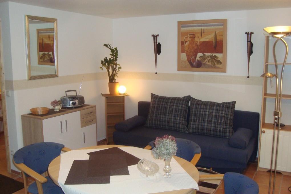 Apartment Laubegast Sitzeckeferienzimmerdd-app3.wohn1